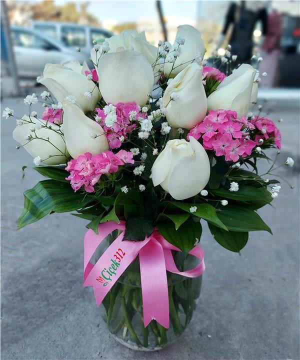 11 Beyaz Gül Aranjmanı ve H.Yusuf Çiçeği