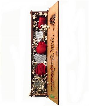 Ahşap Kutuda Güller ve Kalp Çikolatalar