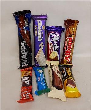Kutuda 6 Adet Gül ve Çikolatalar
