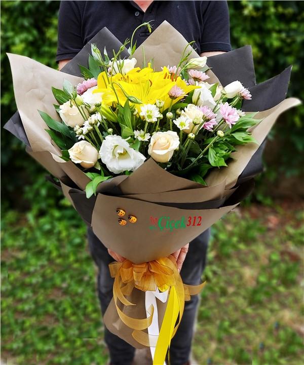 Karma Çiçek Buketi