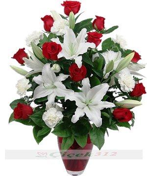 Kokulu Lilyumlar ve Güller