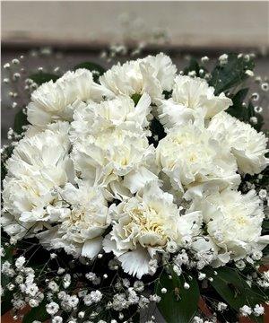 Paşabahçe Cam Vazoda Beyaz Karanfiller